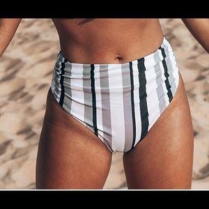 🔥NWT CUPSHE Vertical Stripe Bikini Bottom🔥